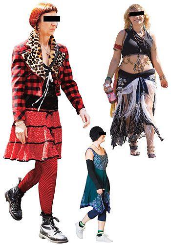 Bu tür kıyafetlerin ancak bir karnavalda kabul göreceğini unutmayın.